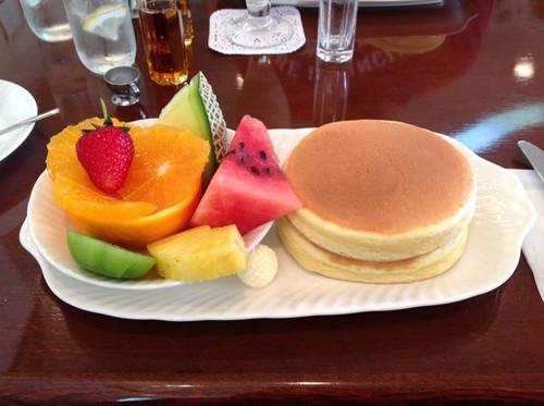 プチモンドのフルーツホットケーキ
